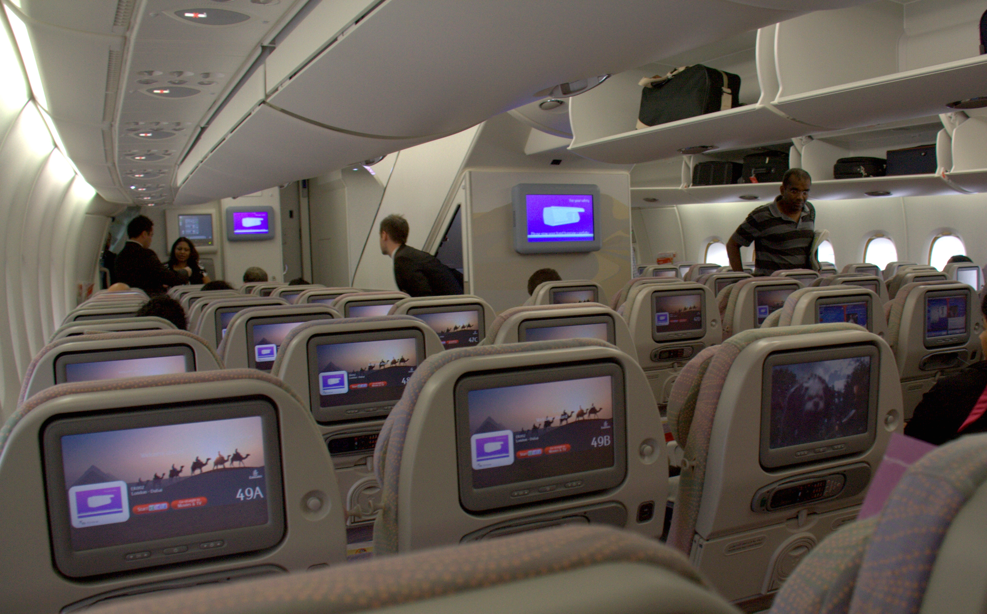 Top 10 airlines of the world 2011 the original top 10 lists for Interieur 777