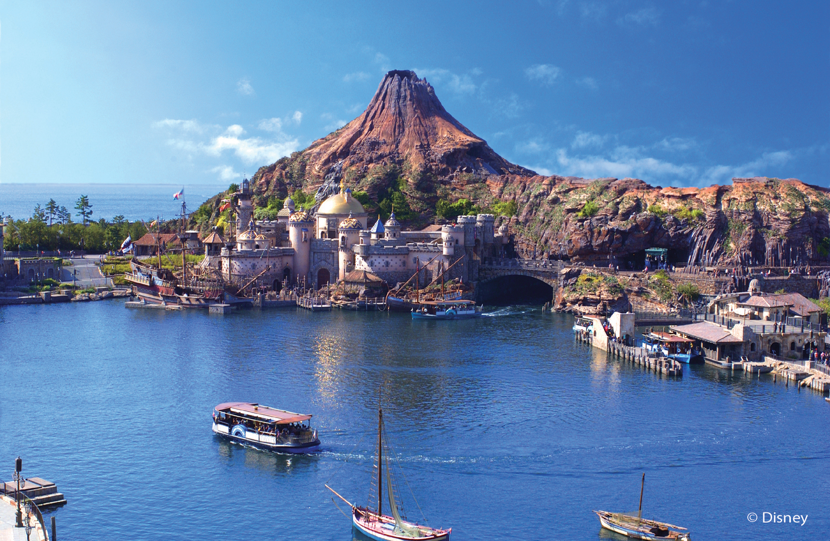 Tokyo DisneySea – A Dream World Becomes Reality!