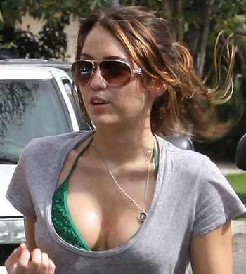 Miley Cyrus Scandals on Miley Cyrus Scandal 02142011 05